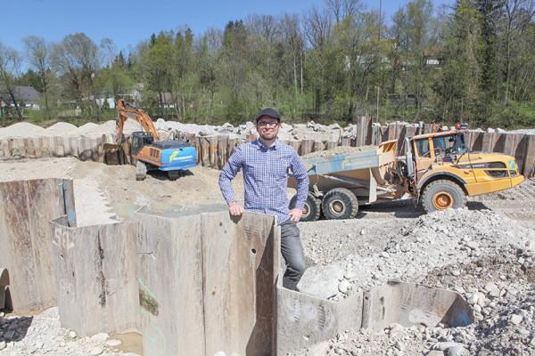Dr. Paul Ablinger ist nicht nur Geschäftsführer der Kraftwerk Rittmühle GmbH sondern auch Oberösterreichs Landessprecher für den Verein Kleinwasserkraft Österreich, der österreichischen Branchenvertretung. Das neue Kraftwerk bringt mehr als grünen Strom: es verbessert die ökologische Gesamtsituation im Bereich des ehemaligen Wehrs Rittmühl.